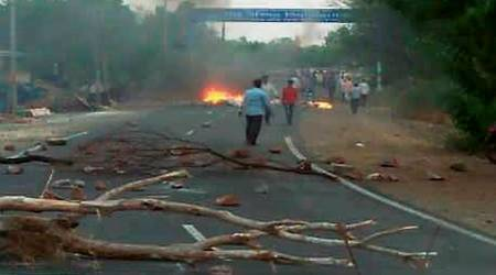 Madhya Pradesh farmers' protests turn violent, five killed in firing; curfew imposed as Opposition asks CM to resign