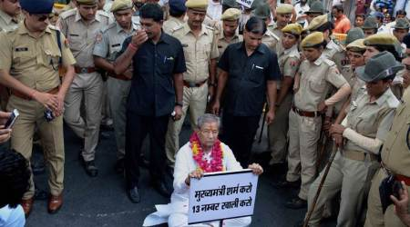 BJP MLA Ghanshyam Tiwari stopped by police from staging stir outside Vasundhara Raje's house