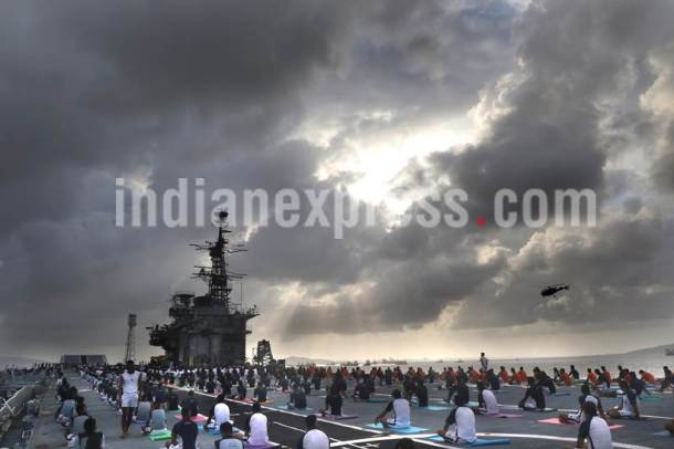 international yoga day, yoga day, yoga, INS viraat, INS viraat yoga, submarine INS Sindhughosh yoga, mumbai yoga