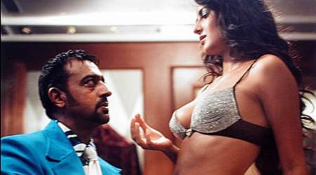 Gulshan Grover had an awkward moment with Katrina Kaif in Boom and the reason was Amitabh Bachchan. Read more