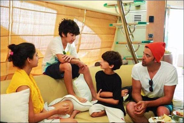hrithik family time, hrithik roshan sons images, hrehaan hridhaan images