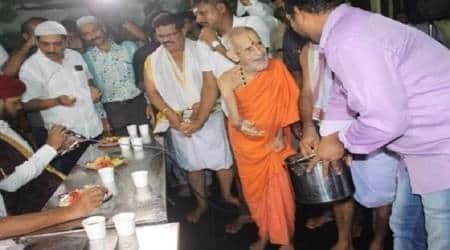 Preaching peace and communal harmony, Udupi Sri Krishna Mutt organises Iftar party in templepremises