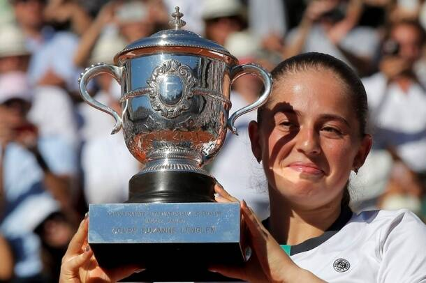 Jelena Ostapenko vs Simona Halep, French Open final 2017, Ostapenko French Open champion, Roland Garros 2017, Simona Halep,sports gallery, tennis gallery, indian express