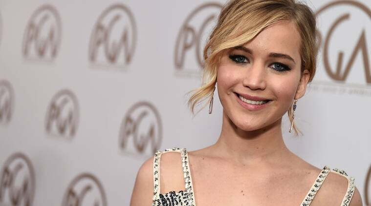 Jennifer Lawrence fine after plane incident