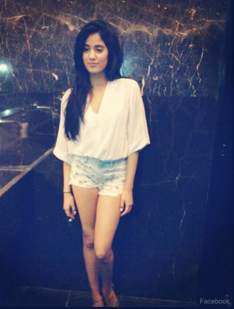 jhanvi kapoor, jhanvi kapoor photos, jhanvi kapoor hot pics, jhanvi kapoor hot photos