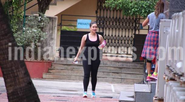 kareena kapoor, kareena kapoor gym, kareena kapoor workout, kareena kapoor workout pics, kareena kapoor photos,