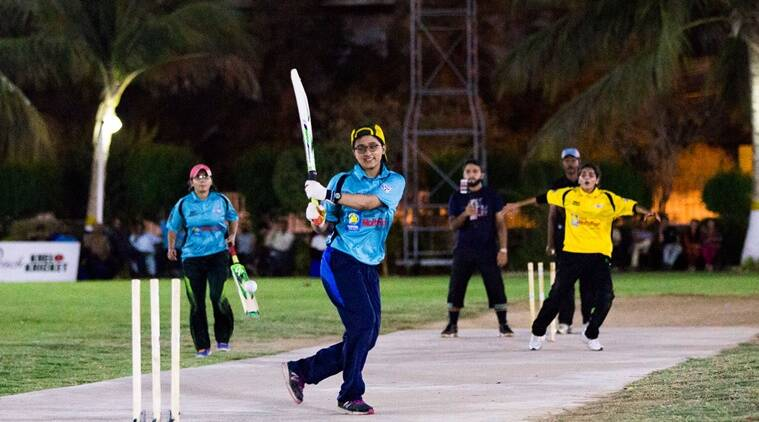 pakistan cricket, women's cricket, girls play cricket