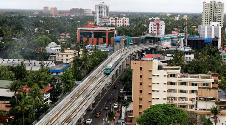 Pinarayi asks Modi to accommodate Sreedharan on dais — Kochi Metro inauguration