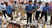 Three-hundred thirty-five foreign liquor cartons seized, 6 arrested