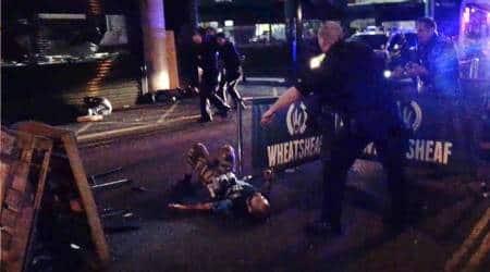 Scotland Yard arrests 3 in London terror probe on pollseve