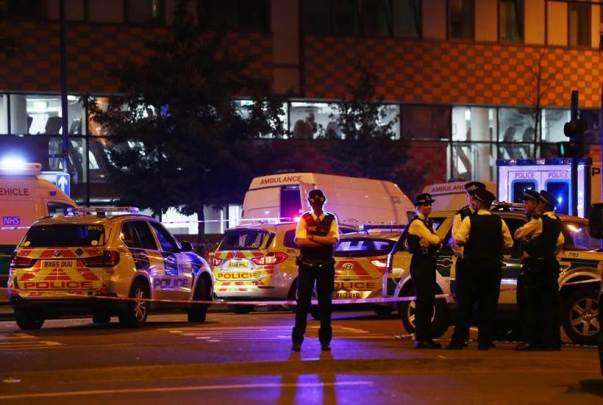 london mosque attack, van attack mosque, finsbury park mosque, london terror attack, van crowd pedestrians, finsbury mosque terror attack, indian express