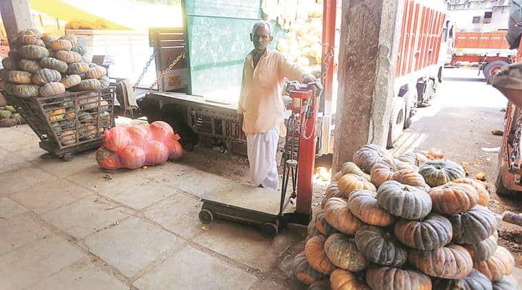 maharashtra farmers' strike, maharashtra strike, maharashtra farmers, farmers strike, political parties