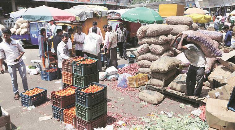 Stray violence in Maharashtra as farmers begin indefinite strike