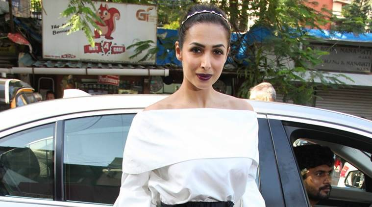 yoga, yoga pants, fitness and yoga, yoga outfits, malaika arora khan and fitness, Indian express, Indian express news