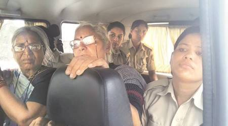Police stop Medha Patkar, NBA activists from entering Gujarat