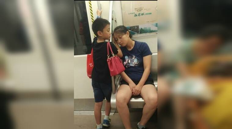 viral photo, mother son picture, viral photo og mother and son, mother and son photo in China, indian express, indian express news
