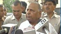 Mulayam Singh meets rape accused Gayatri Prajapati in jail, says he's being targeted