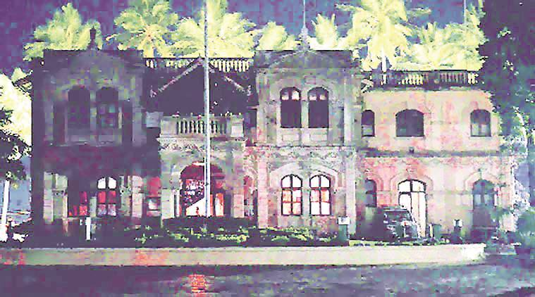 Mumbai Mayor, Dadar bungalow, Mayor Vishwanath Mahadeshwar, Mumbai mayor residence, latest news, indian express