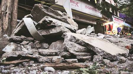 Five pedestrians injured in roof collapse