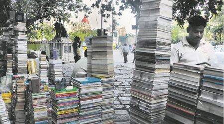 Buying books on Flora Fountain pavement: Good deal foreveryone