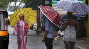 Mumbai experiences heavy rainfall, waterlogging reported in parts of city