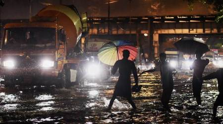 Heavy rains in Mumbai: Waterlogging in several places, trains running slow