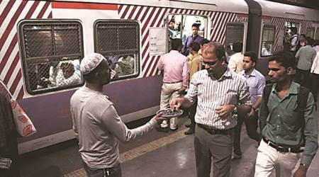 Iftar on the go at Mumbra railway station