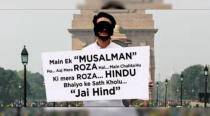 VIDEO: This Muslim guy wanted to break his roza with Hindus at India Gate; did he succeed?