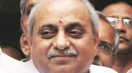 "Gujarat government promises withdrawal of all ""non-serious"" cases against Patidaragitators"