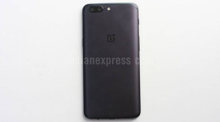 OnePlus 5, OnePlus 5 vs OnePlus 3T, OnePlus 3T specs, OnePlus 3T or OnePlus 5, OnePlus 5 battery, OnePlus 5 features, OnePlus 5 Amazon India, OnePlus 5 sale