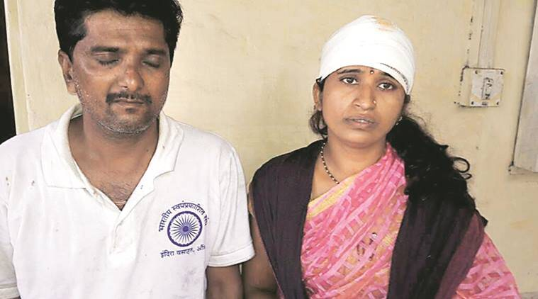 Crime news Pune, Couple thrashed in Pune, Couple thrashed on train, Pune news, India news, National news, Latest news, India news