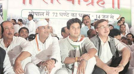 Congress vows to take farmers' satyagraha to every MP district