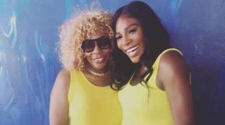 Serena Williams shows off baby bump in latest picture with hermother