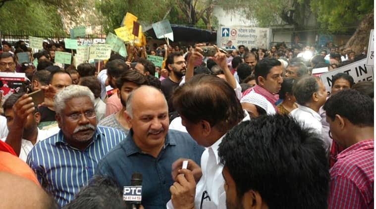 not in my name, #notinmyname, not in my name protest, not in my name new delhi, not in my name jantar mantar, not in my name mumbai, not in my name bengaluru, not in my name bangalore, junaid khan lynching, muslim lynching, india news