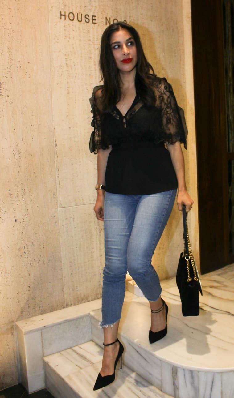 Kareena Kapoor Khan, Katrina Kaif, Malaika Arora Up The Style Quotient At Manish -3295