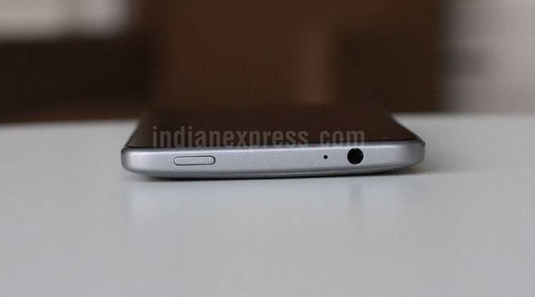 Smartron, Smartron srt.phone, Srt phone review, Sachin phone review, Sachin Tendulkar phone, SRT.phone full review, Srt phone review specs, SRT phone full specifications, SRT phone price in India