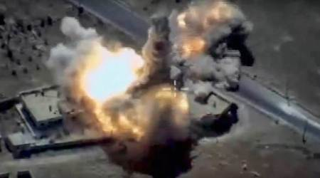 Watch video: Russian warships pound IS targets in Syria with cruise missiles
