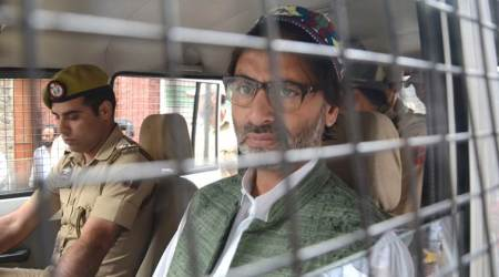 Separatists stopped from holding meeting, Hurriyat leader Mirwaiz put under house arrest