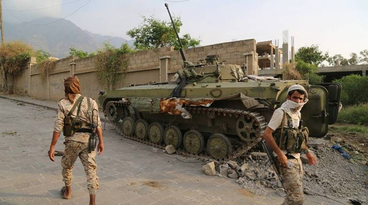 yemen, taez presidential palace, shiite huthi rebels, yemenese army, world news, middle east news, indian express