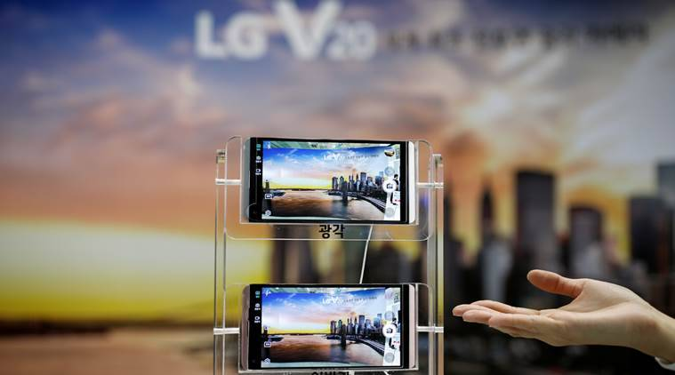 LG Display swings to black in Q2