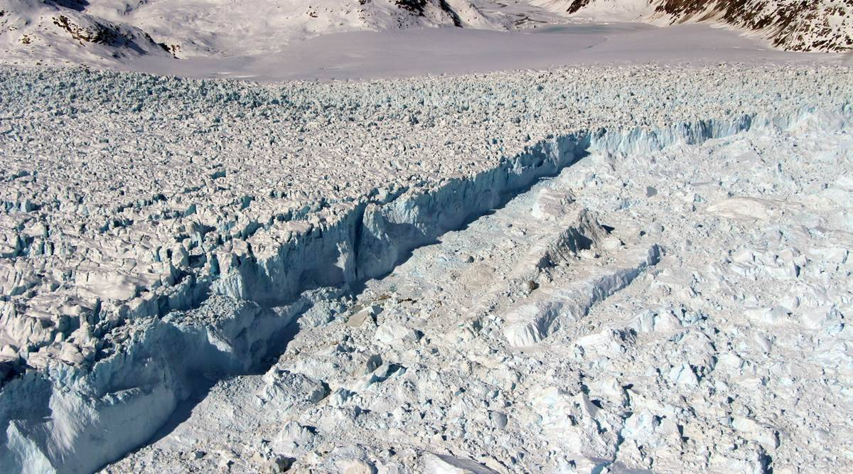 Greenland ice sheet faces irreversible melting, say scientists thumbnail