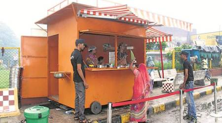 Days before launch, Rs 10 meal scheme for workers a hit in Ahmedabad