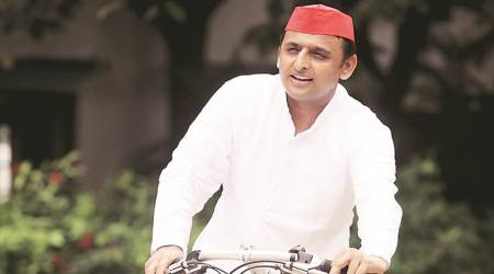 Akhilesh Yadav calls on father, invites him to Samajwadi Party meet