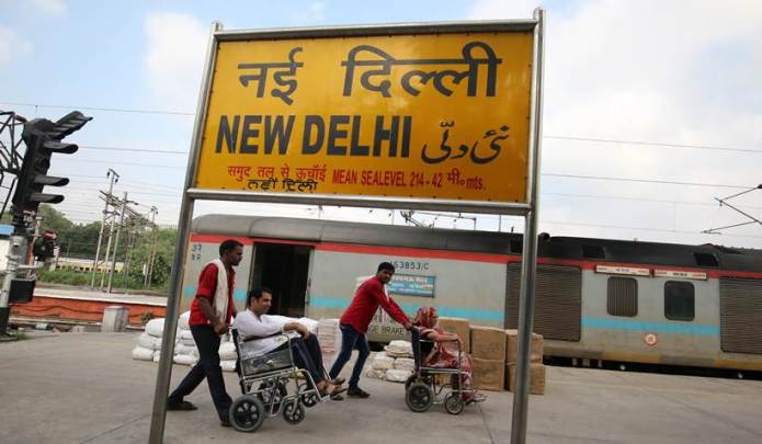 new delhi railway station, railway medical facilities, delhi station medical facilities, delhi railways, indian railways, suresh prabhu, indian express news, india news