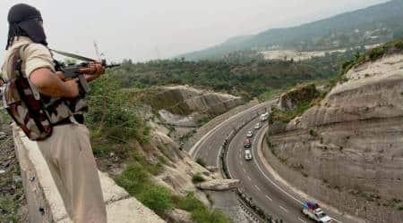 Jammu-Srinagar Highway, Jammu-Srinagar Highway block, highway kashmir block, kashmir unrest, kashmir bus accident, amarnath bus accident, amarnath yatra, pilgrim accident, indian express news, india news