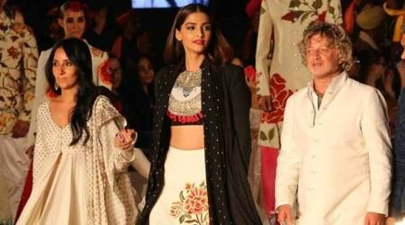 India Couture Week, India Fashion Show 2017, Anamika Khanna, Rohit Bal, Indian Express, Indian Express News