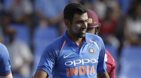 R Ashwin is a smart cricketer, says Muttiah Muralitharan