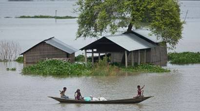 Flood situation in Assam worsens, thousands shifted to reliefcamps