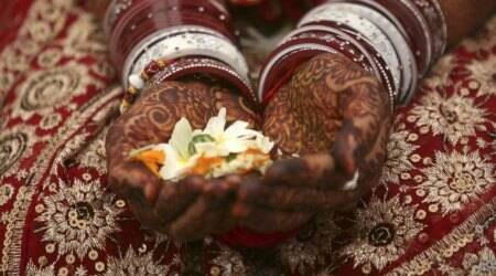Avoid crash dieting; prepare yourself for the wedding season in right way