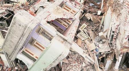 House under demolition collapses in Ahmedabad; 1 killed, 9injured